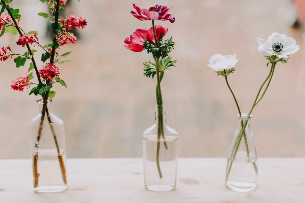 How to stand out in a oversaturated or saturated wedding photography market, how to stand out in a oversaturated wedding photography market, oversaturated,